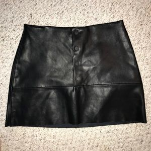 Zara black leather skirt with button closure sz M
